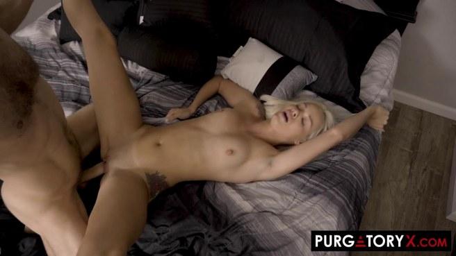 Чирлидерша натирает мягкой вагиной и глубокой глоткой хер кудрявого хоккеиста #7