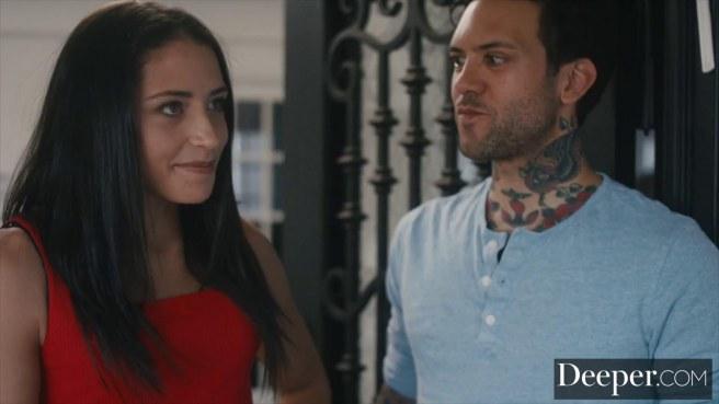 Женатик ставит рога супруге с темнокожей девушкой на шпилях #1