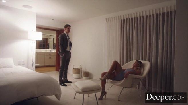 Красавец в деловом костюме соблазнил и грубо выебал жену коллеги #3