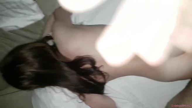 Негр ласкает сзади большую вагину белой подруги и кончает на ее задницу #5