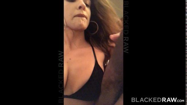 Черный полизал задницу белой подруге и трахнул ее раком огромной палкой #3