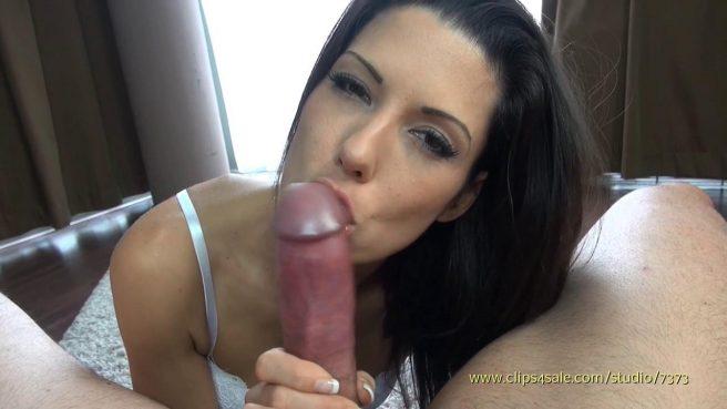 Девушка до спермы полирует губами и язычком крупный пенис зрелого мужика #8