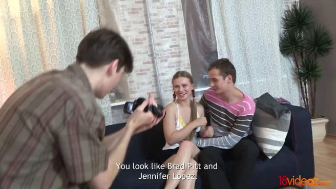 Пацан фотографирует, как жена делает нежный минет пацану из соседней квартиры #1