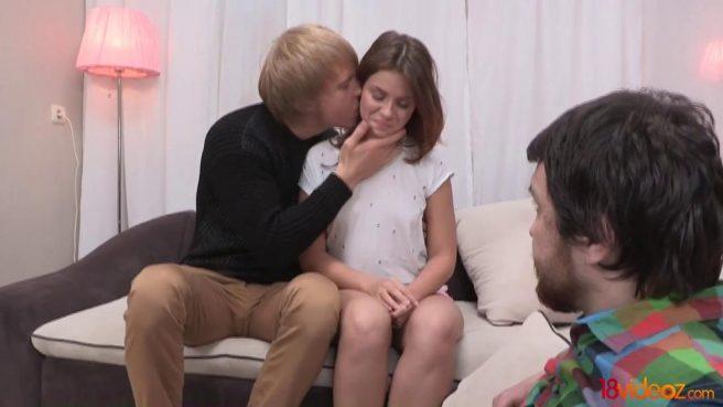 Жена изменяет бородатому мужу с блондином и кончает на большом члене #3