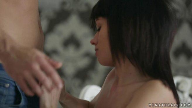 Супруги занимаются в кресле оральным сексом и хотят одновременно кончить #3