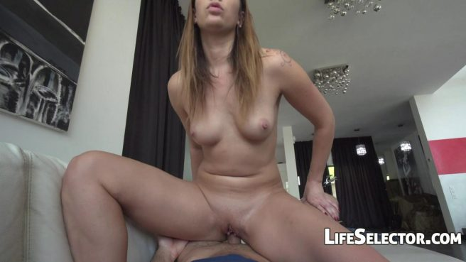 Девушка-модель проходит успешно кастинг в доме дизайнера и глотает сперму после секса #7