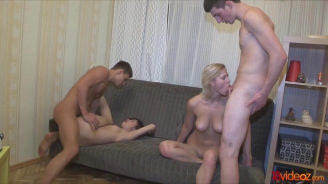 Два парня меняются девушками и кончают от свингерской оргии #7