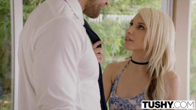 Блонди с черной повязкой на шее приехала к любовнику на анальный секс #2