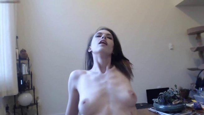Жаркий секс от первого лица с телочкой, которая любит сосать #6