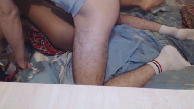 Молодая парочка трахается раком перед веб-камерой #6