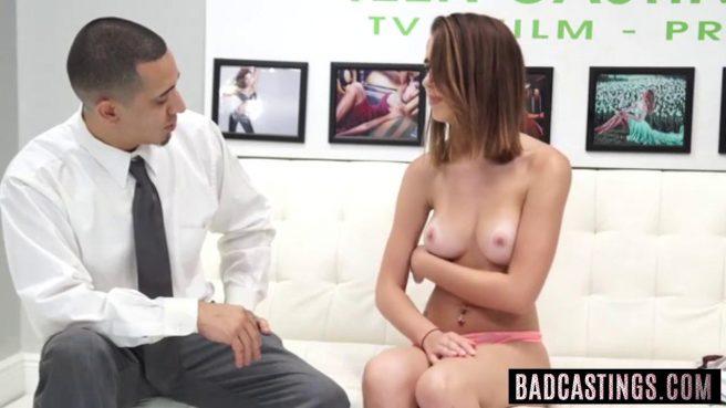 Молодую девку отымели на порно кастинге и угостили спермой #2