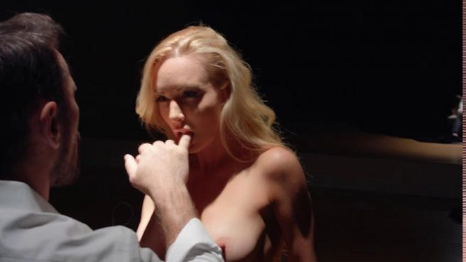 Эротическое видео с телочкой, у которой очень красивые сиськи #6