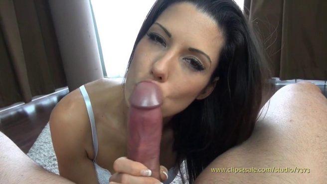 Красотка сосет горячий пенис в видео от первого лица #8