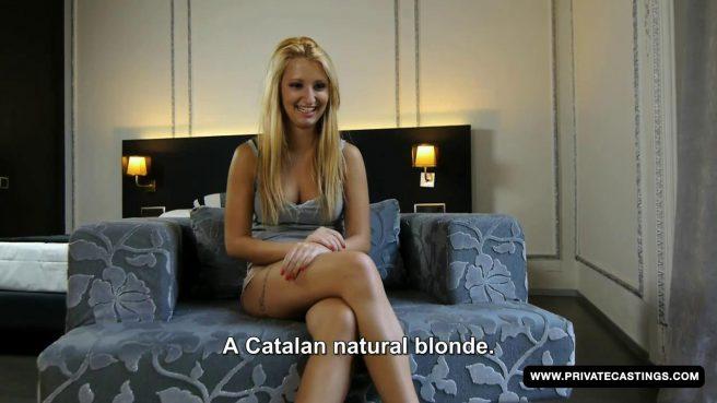 Блонда с пышной жопой впервые трахается на порно кастинге #2