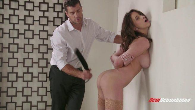 Извращенец устроил жесткие секс-игры со стройной телкой #2