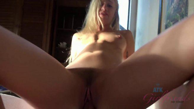 Жаркое порно видео от первого лица с окончанием в блондинку #6