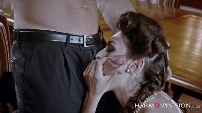 Опытная любовница знает, как довести зрелого самца до экстаза #3