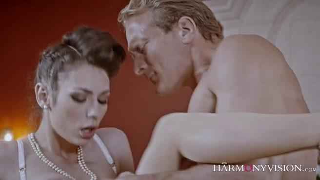 Опытная любовница знает, как довести зрелого самца до экстаза #6