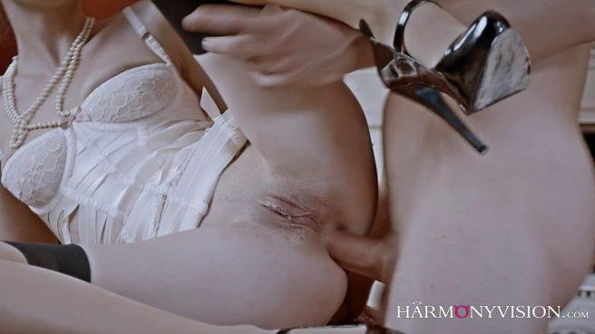 Опытная любовница знает, как довести зрелого самца до экстаза #9